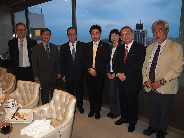 Dinner with members of the Japan delegation to the World Humanitarian Summit, including CWS's Takeshi Komino. Photo: courtesy Takeshi Komino.